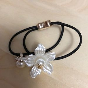 3FOR$15 Flower + Pearl Hair Tie